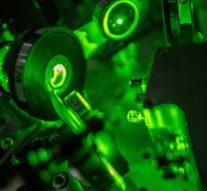 Физики создали прототип дешёвого и надежного лазерного скальпеля на основе керамики