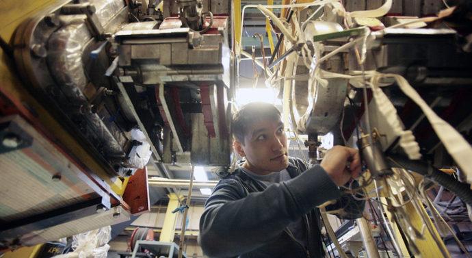 Самый мощный в мире источник инфракрасного излучения запустили новосибирские физики