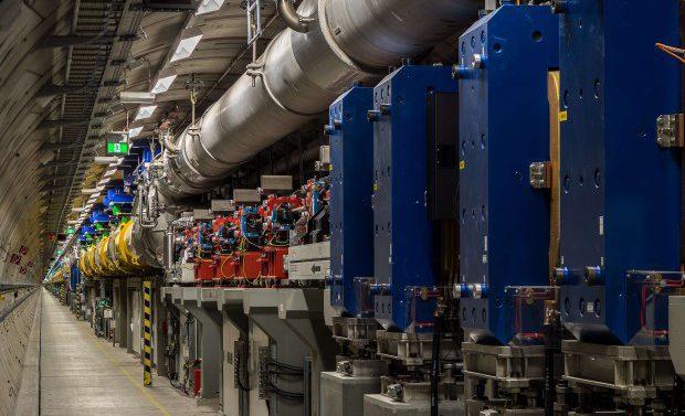 В крупнейшем лазере на свободных электронах запустили первые пучки