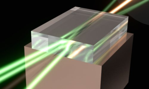 Сверхчистые кристаллы алмаза позволяют объединить в один мощный луч лучи нескольких лазеров
