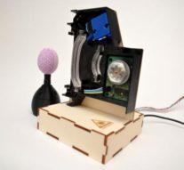 Как украсить пасхальные яйца с помощью лазера и фотохромных красок + видео
