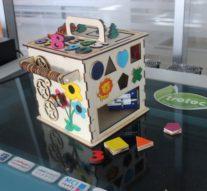 «Развивающий куб» — интерактивный комплекс бизикуб для детей от 1 до 3 лет от воспитанников Кванториума