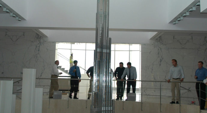 Использование лазера Trotec для создания самой масштабной модели крупнейшего в мире здания Burj Dubai.