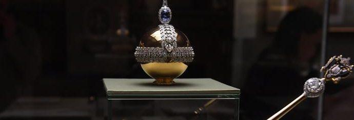Ученые из ИТМО создали оптические копии 10 экспонатов Алмазного фонда