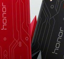 Смартфон Honor Play появился в новой модификации с лазерной гравировкой