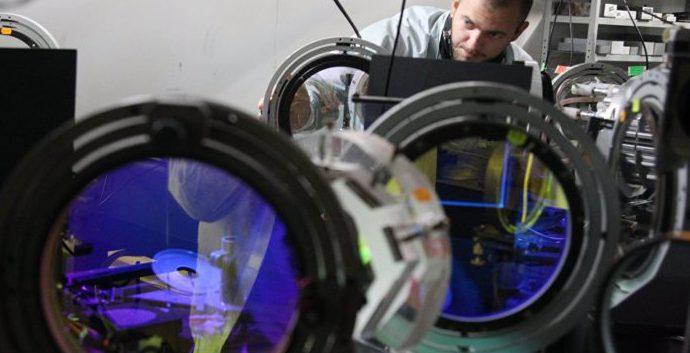 В закрытой лаборатории с самым мощным в России лазером прошел день открытых дверей