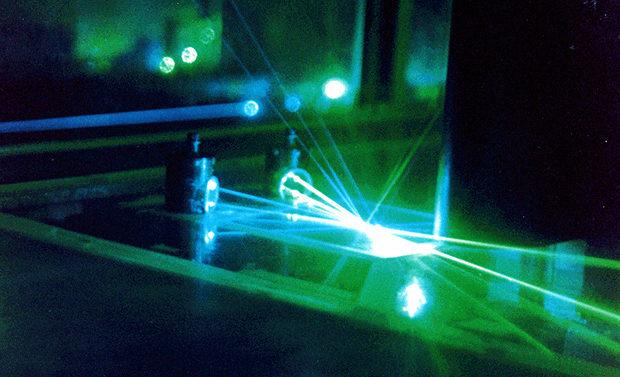 Квантовый шум гравитационных антенн воспроизвели при комнатной температуре