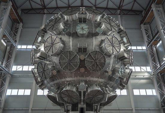 В Сарове собрали центральный элемент лазера нового поколения