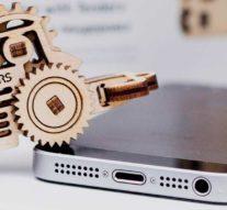 Интерактивный конструктор, изготовленный с помощью лазерной резки — внеочередной убийца iPhone