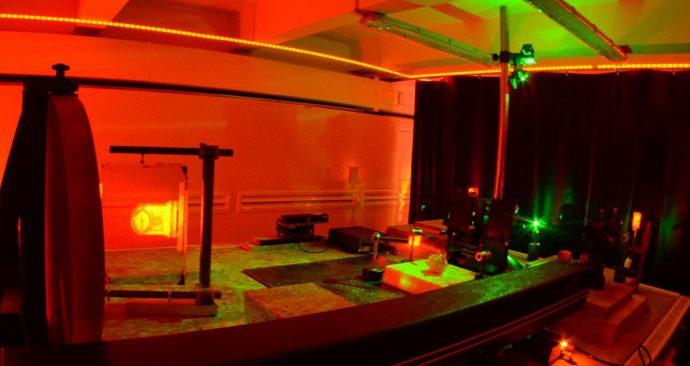 В Университете ИТМО открылся научно-производственный комплекс по изготовлению изобразительных голограмм