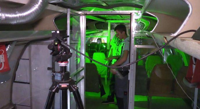 Скорость воздушного потока внутри салона самолета измерят с помощью тумана, лазеров и видеокамеры