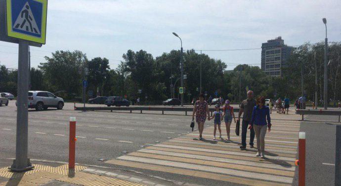 Лазерный перекресток в Казани начал ловить пешеходов-нарушителей. Видео
