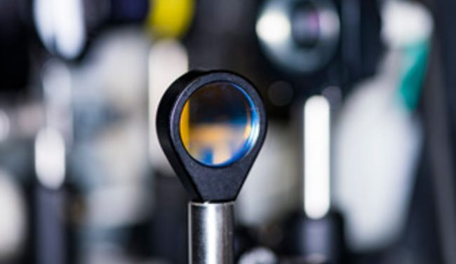 Создан первый в мире оптический транзистор с частотой 2 ТГц, работающий при комнатной температуре