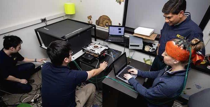 Инженеры создали портативный прибор для диагностики сотрясений мозга с помощью лазеров