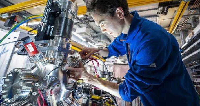 Во время работы на супер-лазере European XFEL ученые из России обнаружили и описали ранее неизвестный эффект