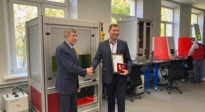 Лаборатория Лазерных технологий открылась в Колледже современных технологий им. М. Панова.