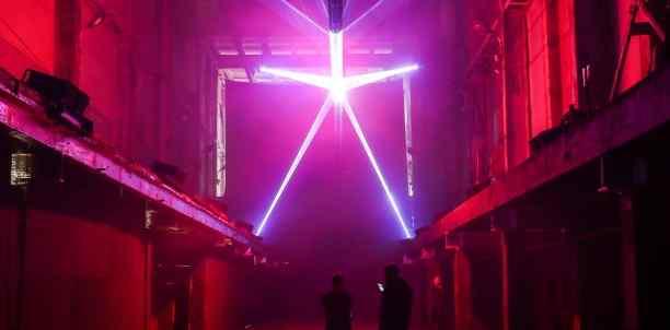 Один на один с «Анакондой»: смотрим на новую лазерную инсталляцию в Нижполиграфе