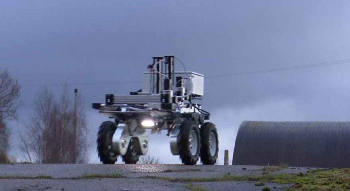 Латвийские ученые создали робота, выжигающего лазером сорняки + видео