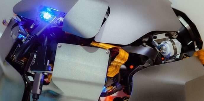 Американский стартап выпустит шлем для считывания мыслей лазером
