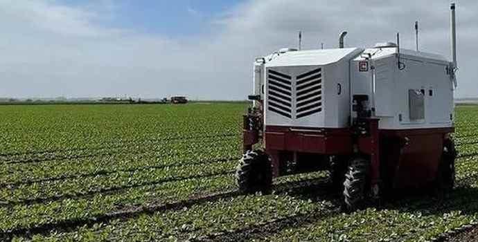 Лазером по сорнякам: Carbon Robotics тестирует робота для прополки